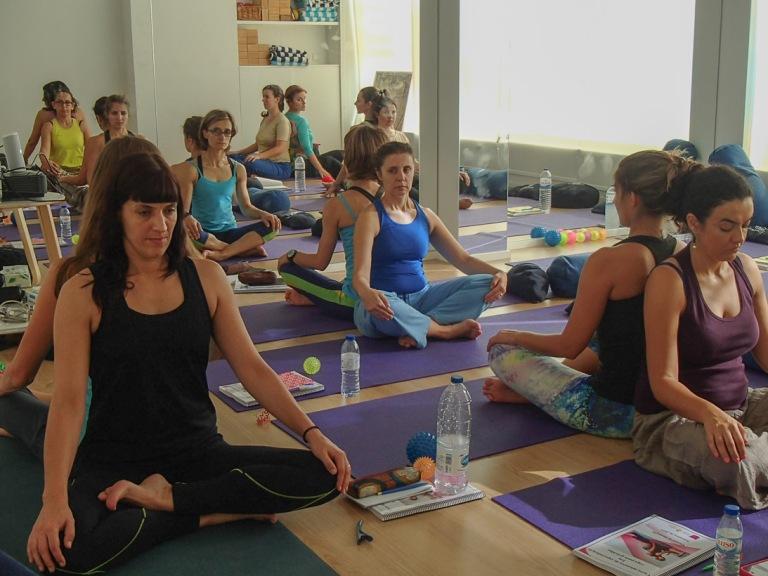 curso em yoga para grávidas com Anne Sobotta