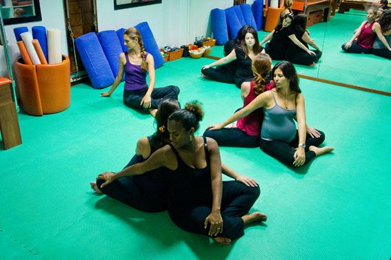 Yoga para Gestantes com Anne Sobotta, yoga prenatal, Salvador, Bahia